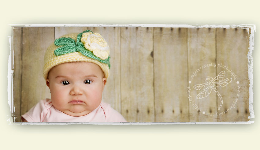 baby in hat picture pose ideas