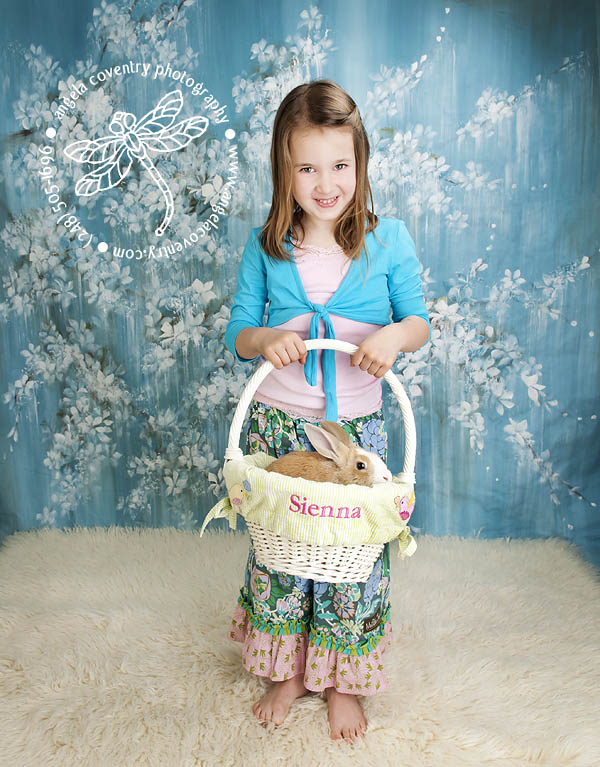 Spring Portrait Special with Floppy the Bunny – Michigan Photographer