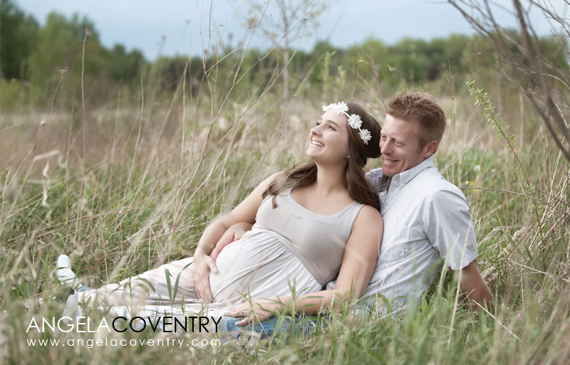 outdoor maternity photo session lake orion michigan