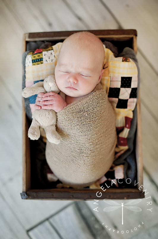 lake_orion_newborn_photographer_quilt_1