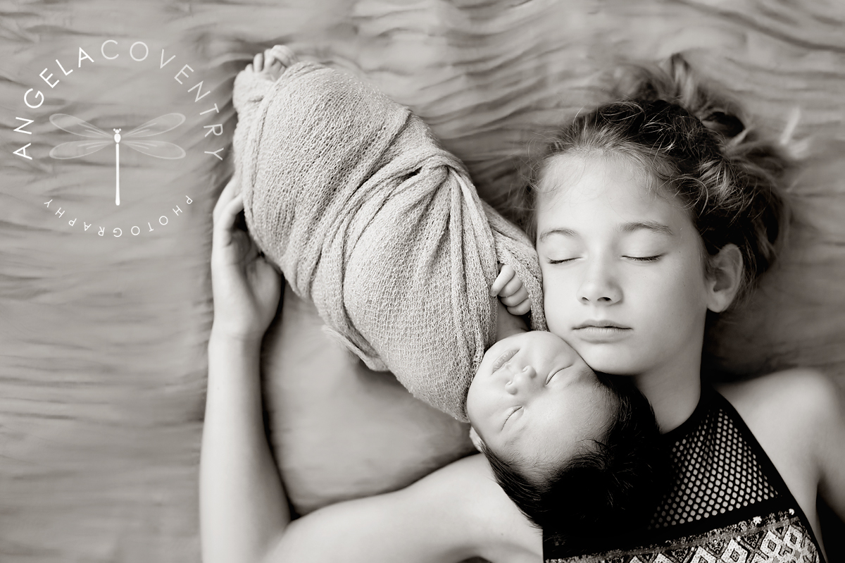 michigan_newborn_photographer_siblings_1