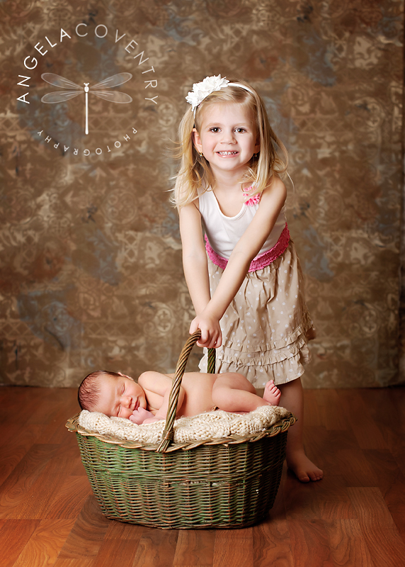 michigan_newborn_photographer_siblings_3