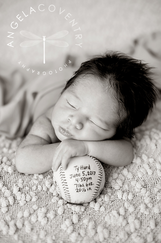 rochester_hills_newborn_photographer_baseball_1