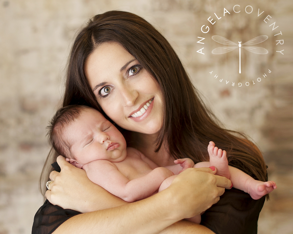 rochester_hills_newborn_with_mom